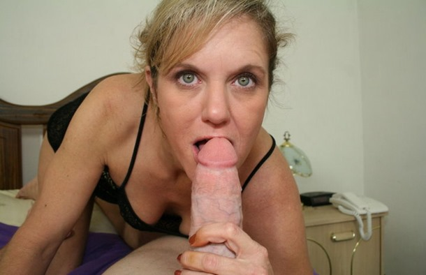 cumblastcity-deep-into-her-mouth